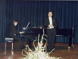 Manuel Cid y Fernando Turina. Concierto Canciones y romanzas de salón, 1989