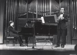 Aníbal Bañados y Enrique Pérez Piquer. Concierto El viento en la música francesa , 1989