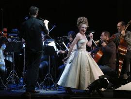 Sonia de Munck y José Antonio Montaño dirigiendo a los Solistas de la Orquesta de la Comunidad de Madrid. Fantochines, 2015