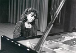 Mª Rosa Torres Pardo. Concierto Del pianoforte al piano , 1989