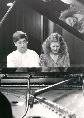 Manuel Cabero y Albada Olaya. Concierto Del pianoforte al piano , 1989
