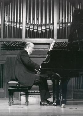 Pedro Espinosa. Concierto monográfico con obras de Agustín González Acilu - [Concierto especial 25] , 1989