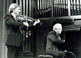 Emilio Mateu y Miguel Zanetti. Concierto Música para la viola , 1990