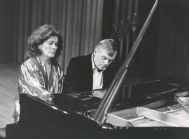 Begoña Uriarte y Karl-Hermann Mrongovius. Recital de piano a cuatro manos , 1990