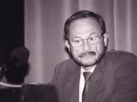 Adam Przeworski. Profesor de seminario Curso 2000-01, 2000