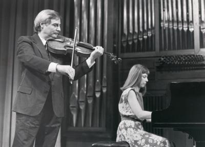 Emilio Mateu y Menchu Mendizábal. Recitales para Jóvenes