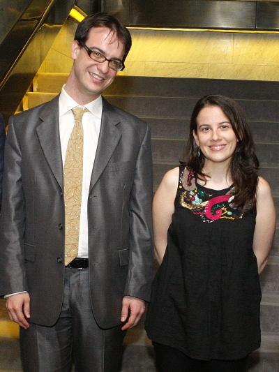 Alvaro Martínez y Inmaculada Serrano. Entrega diplomas de Maestros y Doctores del CEACS