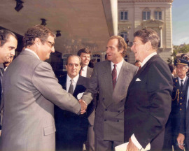 Carlos March Delgado, Juan March Delgado, Fernando Morán, Juan Carlos de Borbón y Ronald Reagan. Visita de Ronald Reagan a la Fundación, 1985