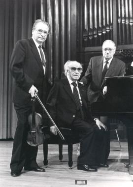Agustín León Ara, Joaquín Rodrigo y José Tordesillas. Concierto Joaquín Rodrigo y su época , 1990