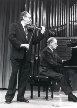 Agustín León Ara y José Tordesillas. Concierto Joaquín Rodrigo y su época , 1990