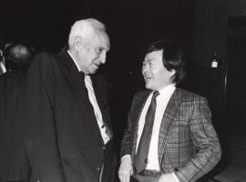 Severo Ochoa y Susumu Tonegawa, en el ciclo La nueva inmunología, 1988