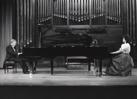 Karl-Hermann Mrongovius y Begoña Uriarte. Concierto Mozart: integral de la obra para dos pianos y piano a cuatro manos , 1991