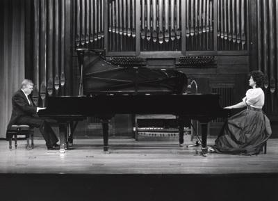 Karl-Hermann Mrongovius y Begoña Uriarte. Concierto Mozart: integral de la obra para dos pianos y piano a cuatro manos