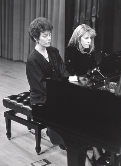 Eulalia Solé y Judit Cuixart. Concierto Mozart: integral de la obra para dos pianos y piano a cuatro manos