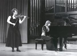 Carmen Tricás y Menchu Mendizábal. Recital de violín y piano , 1992
