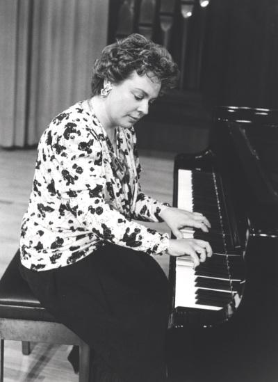 Pepita Cervera. Concierto Música romántica para dos pianos