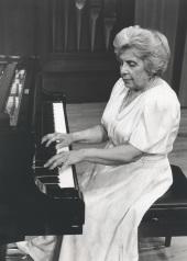 Agustina Palaviccini. Concierto Música romántica para dos pianos , 1992