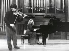 Víctor Correa-Cruz-Cruz y Mariana Gurkova. Recitales para Jóvenes, 1993