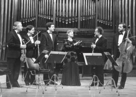 Pura María Martínez y LIM (Laboratorio de Interpretación Musical). Concierto Canta, pájaro lejano (Poemas de Juan Ramón Jiménez) de Jesús Villa Rojo - Aula de (Re)estrenos [14.1] , 1993