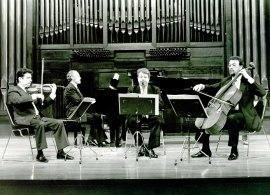 Trío Mompou y Adolfo Garcés. Concierto Tríos con piano , 1993