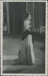 """Fotografía de Isabel Penagos en """"María Manuela"""" de Guillermo y Rafael Fernández-Shaw, música de Federico Moreno Torroba."""