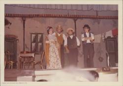 """Fotografías de """"La revoltosa"""" de José López Silva y Carlos Fernández Shaw, música de Ruperto Chapí. (Tampa, Estados Unidos)"""