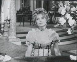 """Fotografía de la película """"La canción del olvido"""" de Federico Romero y Guillermo Fernández-Shaw, música de José Serrano."""