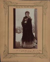 Fotografía de un cuadro de Cecilio Pla representando a una mujer sin identificar.