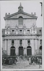 """Fotografía de """"Estampas isabelinas"""" de Guillermo Fernández-Shaw : Patio de los Reyes (El Escorial)."""
