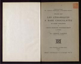 Les Céramiques a base chocolatée au Musée Louis-Finot de l'Ecole française d'Extrême-Orient à Hanoi